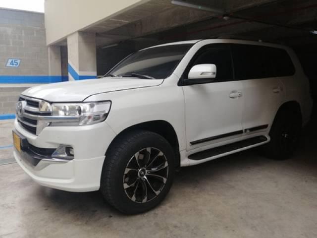 Toyota Land Cruiser V8 Camioneta dirección hidráulica DIESEL Barranquilla